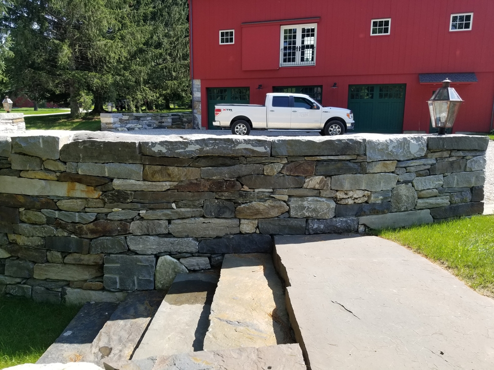 Stone-wall-and-steps,-Courtyard