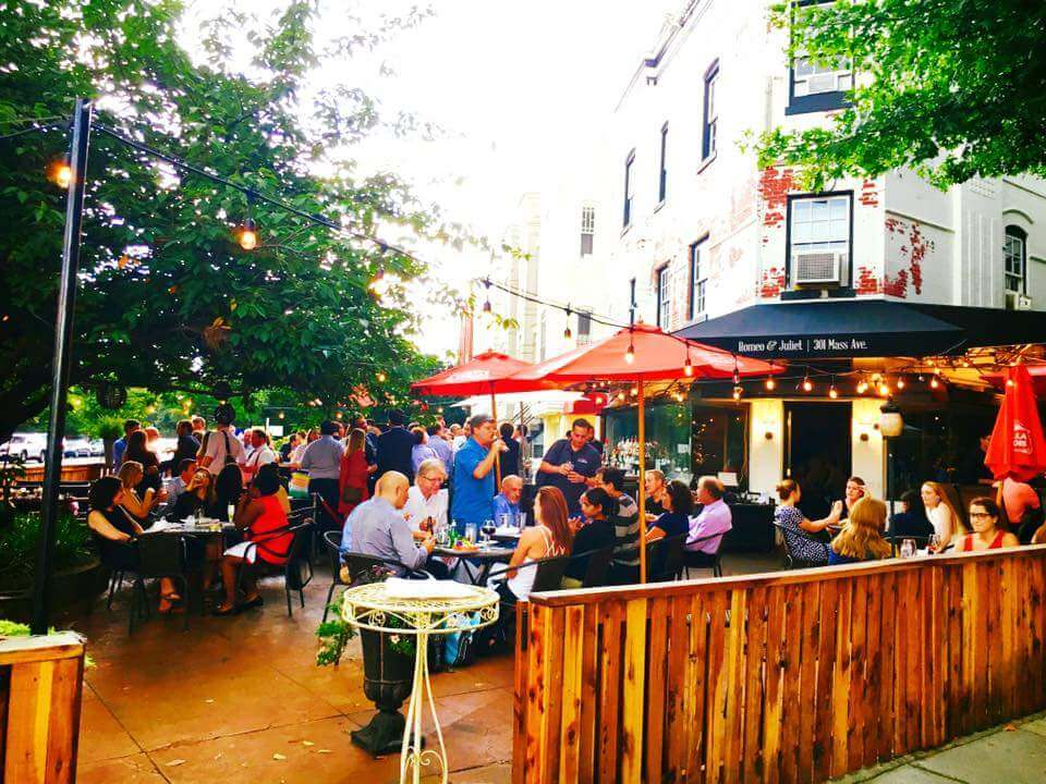 outside patio at Romeo and Juliet's