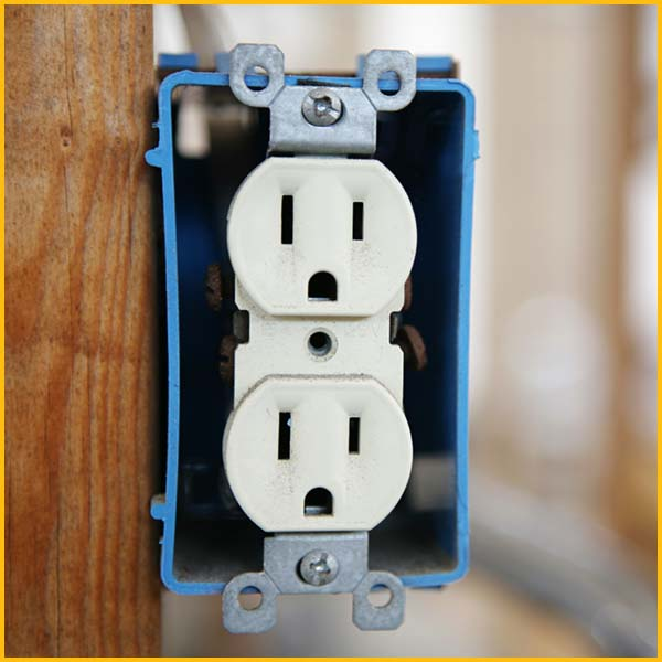 Wire Wiz Electrician Services | Outlet Services and Repair | Content 4