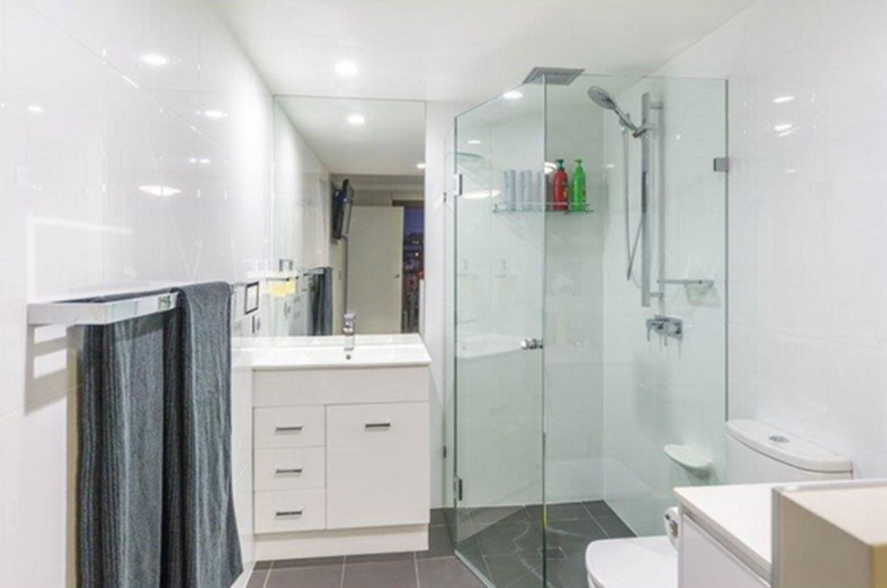 Frameless Sliding Shower Screen