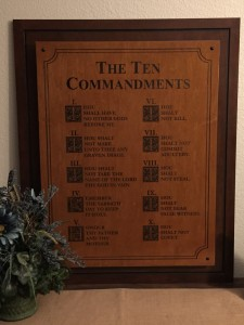 Nueretz 10 commandments