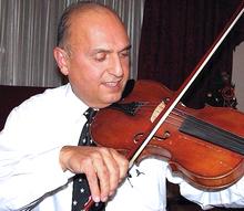 Elias Sarkar