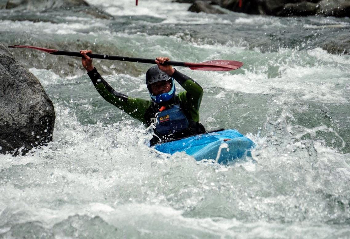 Rafting Kayaking en Baños Ecuador