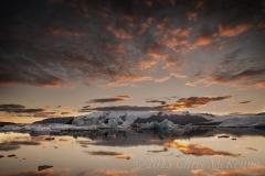 Sunset_over_Jökulsárlón_Lagoon