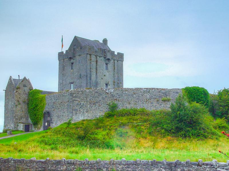 412_Dunguaire_Castle_03-Aug-04x3