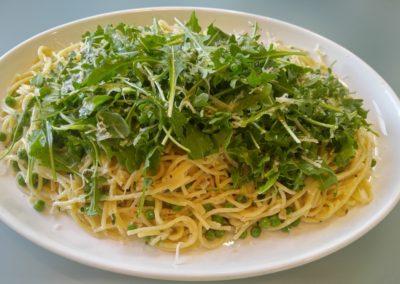 Spaghetti peas and arugula