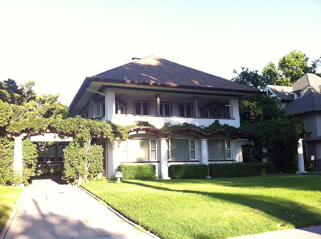 640px-Edmund_Blinn_House_(now_the_site_of_the_Women's_City_Club_of_Pasadena)