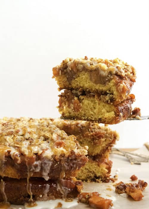 Apple Crunch Cake | The Hungry Waitress
