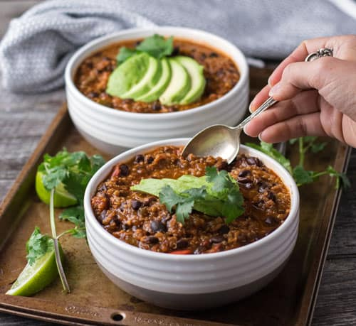 Digging into Hearty Vegan Chili is a great vegan recipe that will keep you warm during these cold months. This vegan dinner recipe is packed with protein and vegetables!