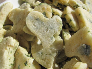 (Wheat-Free) Spinach Chicken Dog Treat/Biscuit Recipes