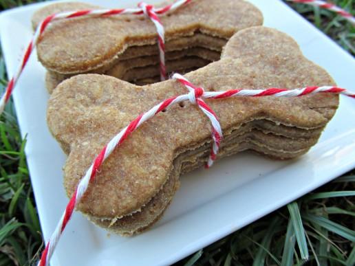 (dairy-free, vegan and vegetarian) peanut butter apple dog treat/biscuit recipe