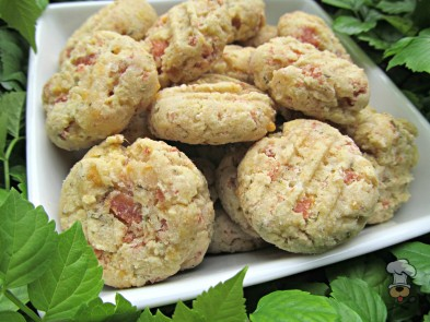 (gluten and wheat-free) rosemary ham and cheddar dog treat/biscuit recipe