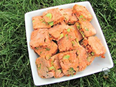 (wheat, gluten and dairy-free) broccoli tomato bacon dog treat/biscuit recipe