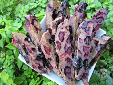 (wheat and dairy-free, vegan, vegetarian) blueberry cherry mint biscotti dog treat recipe