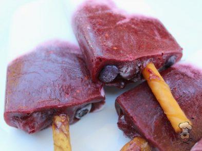 (wheat, gluten, grain and dairy-free, vegan, vegetarian) frozen mix berry coconut dog treat recipe