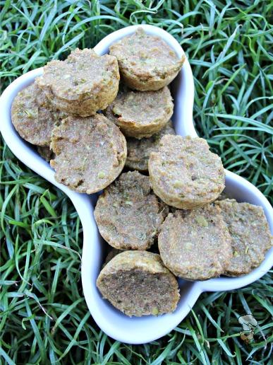 (dairy-free, vegan, vegetarian) apple kale mint dog treat/biscuit recipe