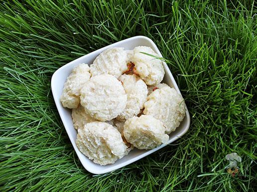 (gluten and wheat-free) cheesy chicken & rice dog treat/biscuit recipe(gluten and wheat-free) cheesy chicken & rice dog treat/biscuit recipe