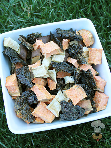 (grain, gluten, wheat and dairy-free) chicken liver & pear trail mix dog treat recipe