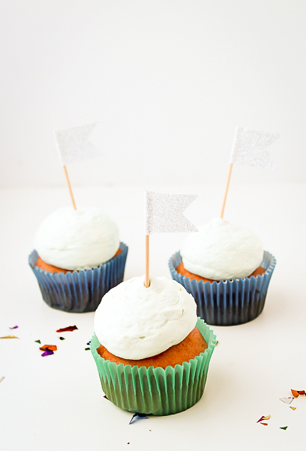 DIY Glitter Flag Cupcake Toppers