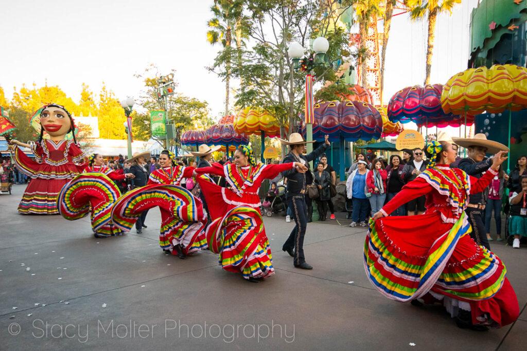 Disney ¡Viva Navidad! Holiday Celebration