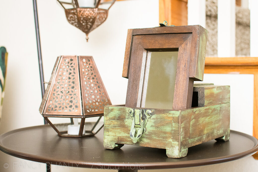 Creating a Stylish Entry Reading Nook at Home