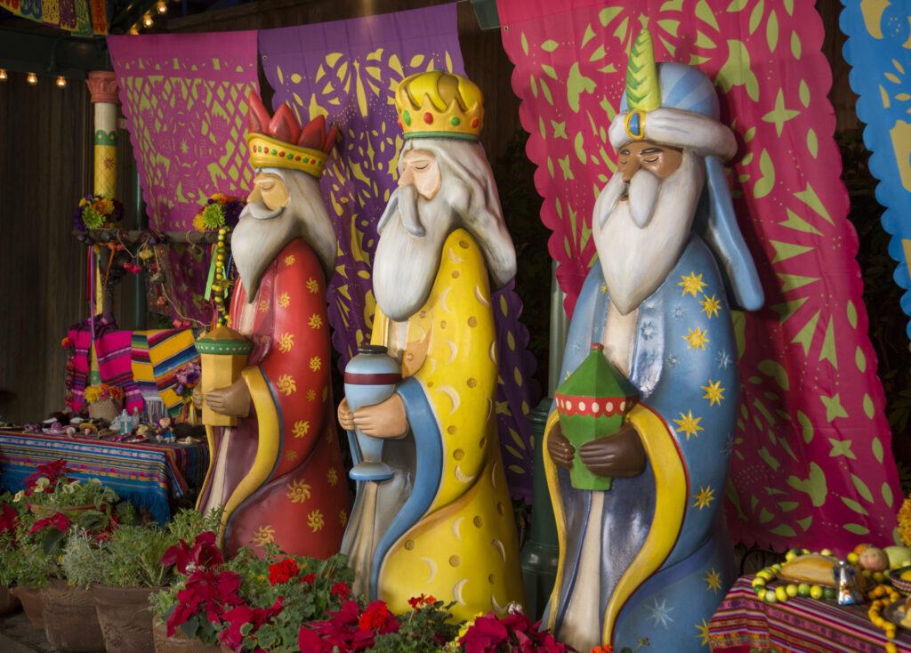 Disneyland Holiday Events 2016 - NEW World of Color—Season of Light