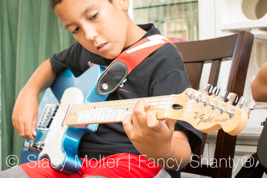 Fender Learn to Play Guitar at Home