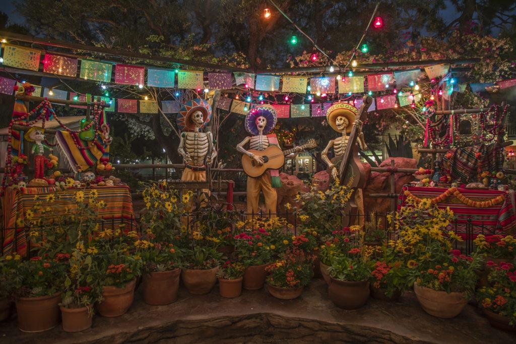 Celebrate Disney•Pixar's 'Coco' and Seasonal Experiences Inspired by Día de los Muertos at Disneyland Resort