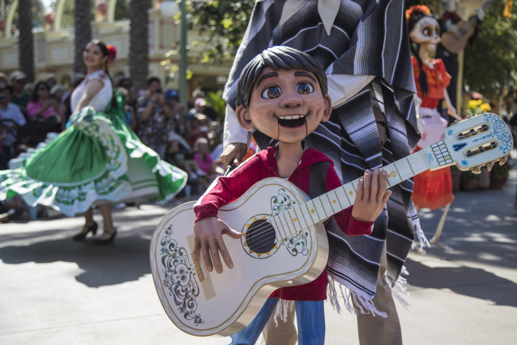Celebrate Disney•Pixar's 'Coco' and Seasonal Experiences Inspired by Día de los Muertos