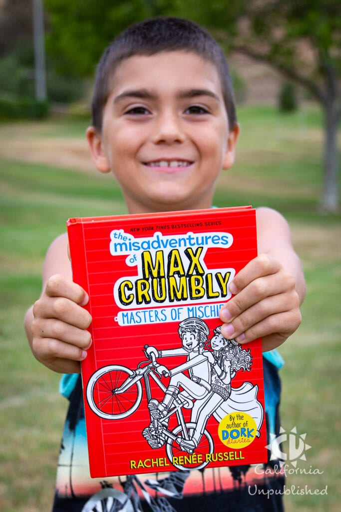 Giveaway: The Misadventures of Max Crumbly - Masters of Mischief