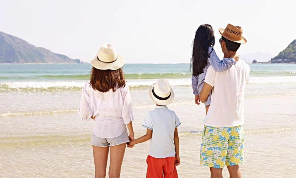 How to Save Money for a Quick Summer Vacation