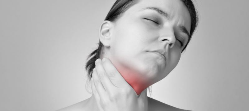 5 Common Causes Of A Swollen Thyroid Gland Dr Michael Koeplin