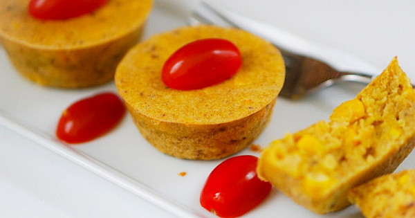 plantain and cornmeal moi-moi
