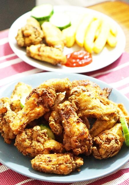 Homemade crispy fried chicken wings