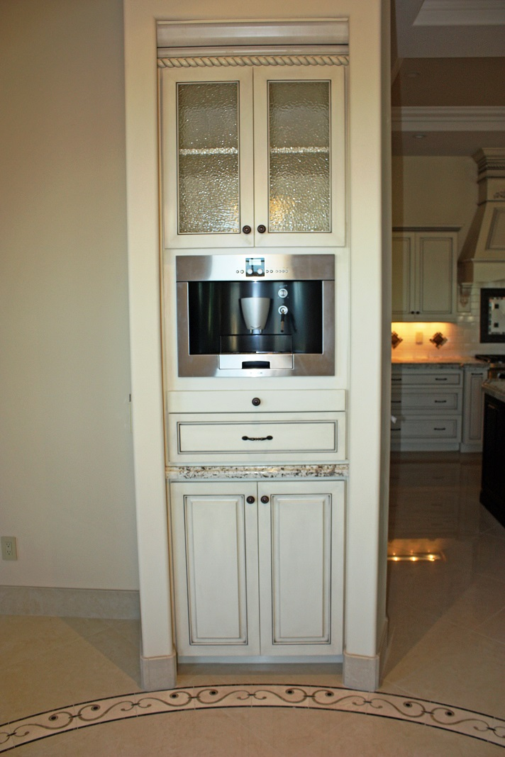 transitional kitchen cabinet
