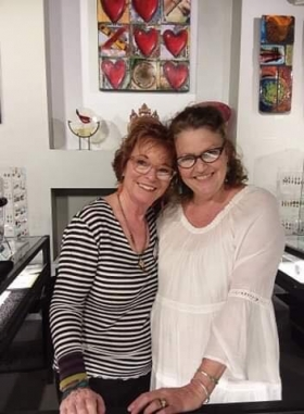 <h5>Our Christine with our amazing friend and jeweler Lesley McKeown</h5>