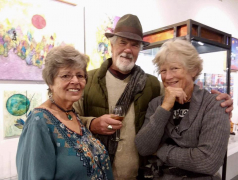 <p>Our Linda Lutes catching up with dear friends Bill Rice and Laurel Freeman.</p>