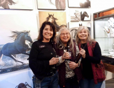 <p>Our Equine photographer, Jody Miller having fun with Peggy and Joyce</p>