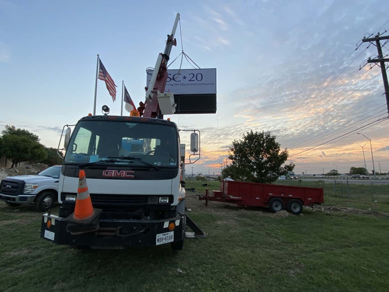 Region 20 Pylon Sign Install - Sun rise Sign Lift