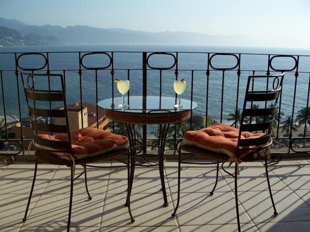 ocean-balcony-view (1)