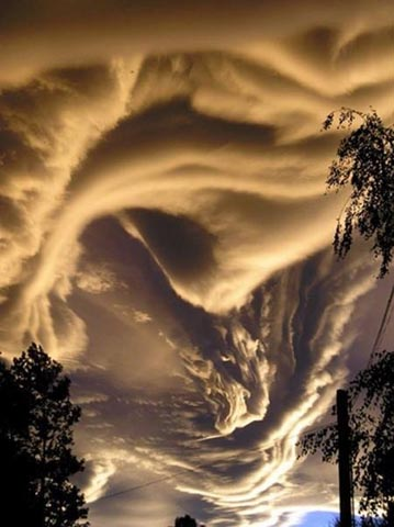 weird-beautiful-cloud-formations-15