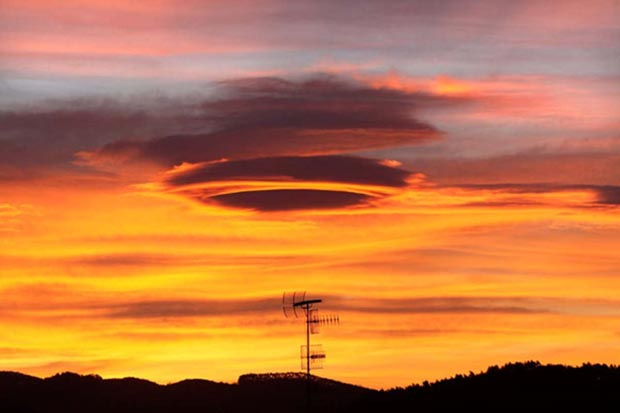 weird-beautiful-cloud-formations-27