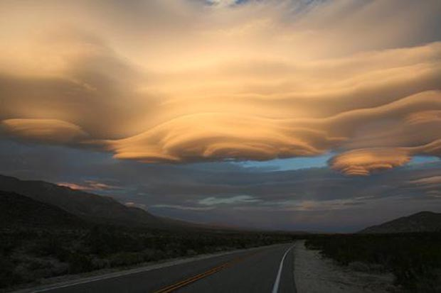 weird-beautiful-cloud-formations-33