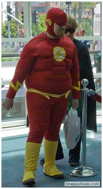 bad-cosplay-costume-fails-10