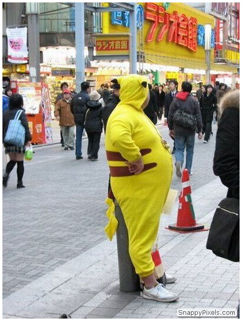 bad-cosplay-costume-fails-15