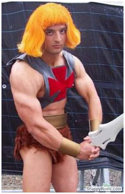 bad-cosplay-costume-fails-21