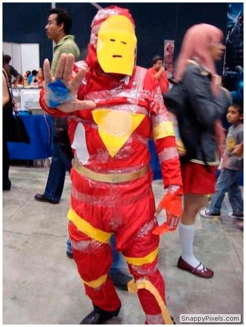 bad-cosplay-costume-fails-23