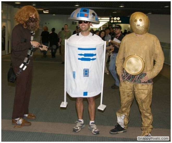 bad-cosplay-costume-fails-3