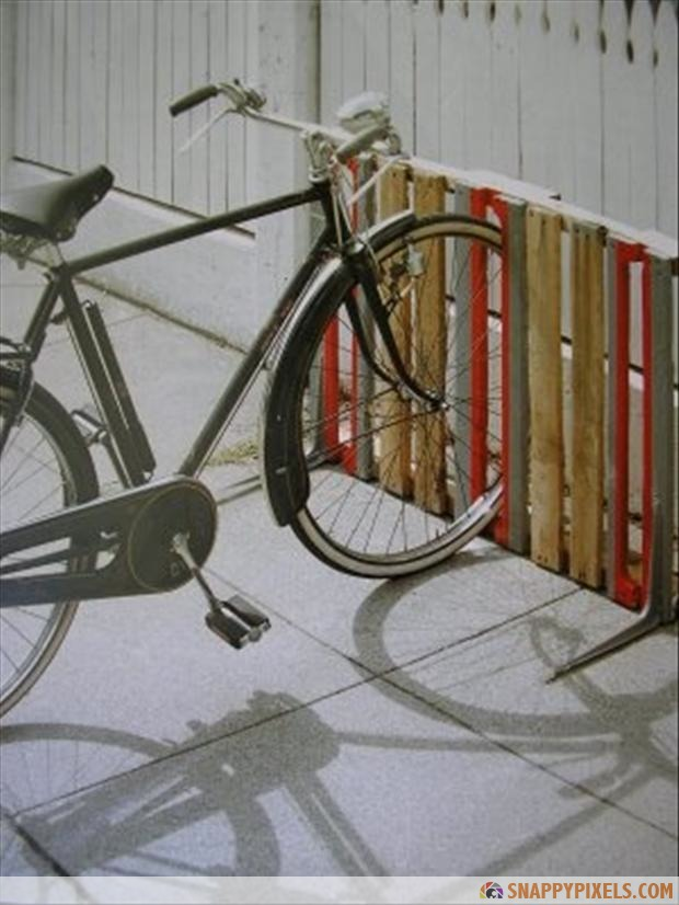 bike-rack-from-old-pallets