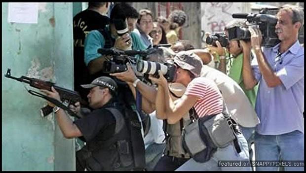 crazy-dangerous-photographers-17